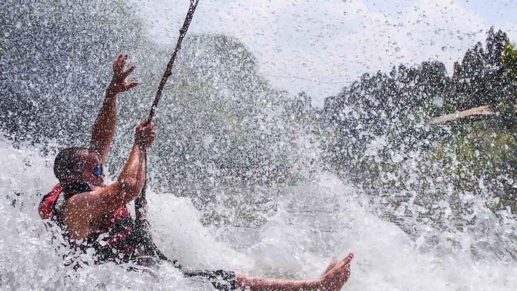 אומגה עם טבילה במים ברפטינג נהר הירדן